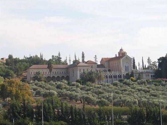 Монастырь в Латруне