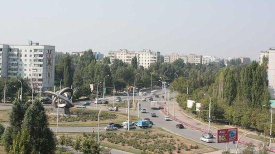 Пересечение проспектов Курчатова и Строителей
